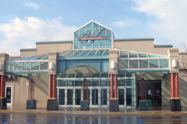 West Town Mall is a wonderful climate controlled indoor mall conveniently located off exit on I Considered the premier shopping destination in East Tennessee, our mall boasts more than stores, over 40 of which are exclusive to this 0549sahibi.tkon: Kingston Pike, Knoxville, , TN.