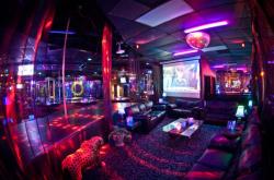 madison-wi-gentlemens-club-strip-latina